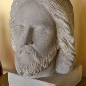 Kamenná hlava Krista pískovec