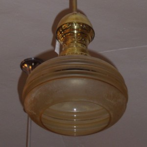Mosazný lustr-lustřík