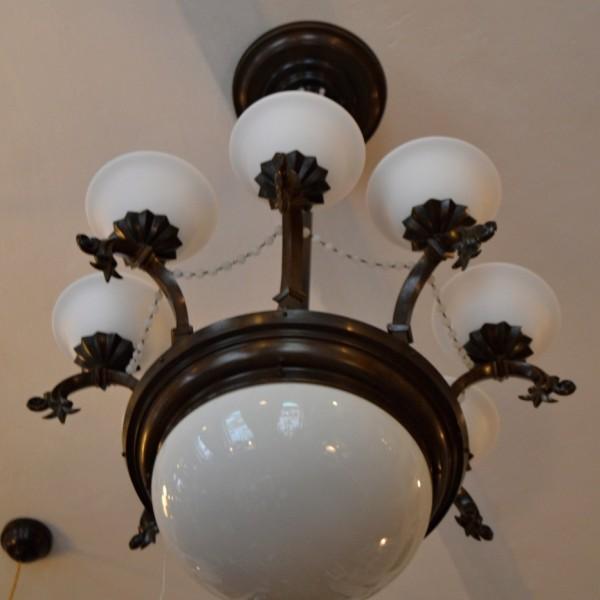 Větší osmi-ramenný lustr ART-DECO