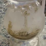 Ručně foukaná váza z čirého skla