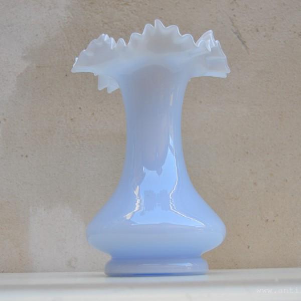 Váza z přejímaného skla