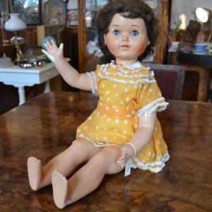 Větší chodící a plačící panenka