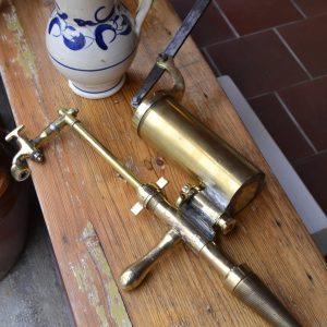 Mosazná ruční pumpa