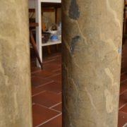 Reprezentativní vilové starožitné sloupy