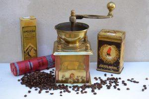 Starožitné mlynčeky na kávu
