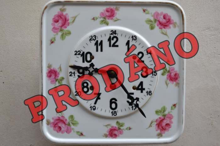 Starožitné hodiny s růžičkami