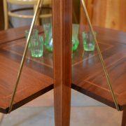 Starožitný servírovací stolek
