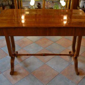 Starožitný ušlechtilý psací stůl