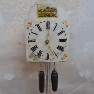 Starožitné hodiny zvané švarcvaldky