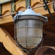 Kvalitní industriální lampa-světlo