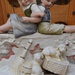 Starožitné sousoší dětí GERMANY