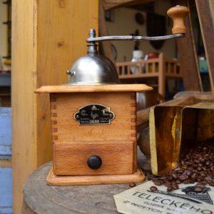 Starožitný mlýnek v perfektním stavu