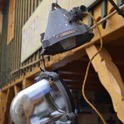 Starožitné industriální lampy