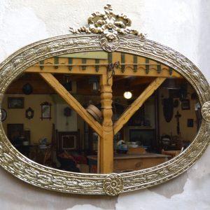 Starožitné oválné zrcadlo v ušlechtilém rámu - Antik Nové Hrady