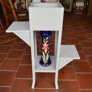 Starožitný stojan na květiny