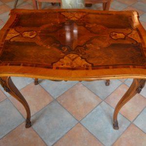 Starožitný intarzovaný stolek z 18. stol. - Antik Nové Hrady