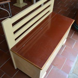 Starožitná lavička s úložným prostorem