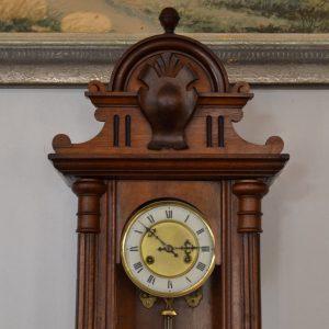 Starožitné neorenesanční pérové hodiny