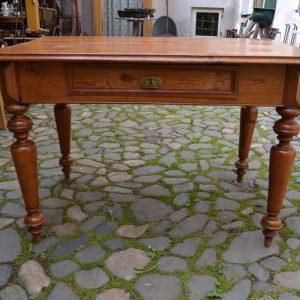 Starožitný poctivý stůl z modřínu