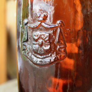 Erbová stará pivní láhev LANDSKRON