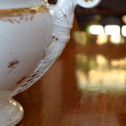 Starožitná větší ušlechtilá mísa na polévku