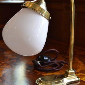 Starožitná mosazná lampička