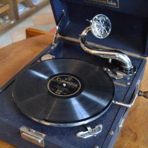 Starožitný gramofon zn. Columbia
