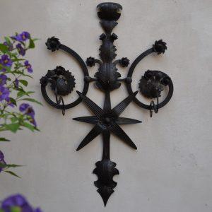 Nástěnný umělecky kovaný starožitný věšák