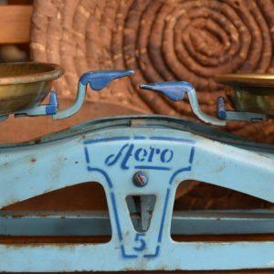 Starožitné váhy AERO