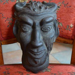 Starožitná maska ďábla