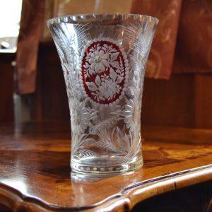 Starožitná prvorepubliková broušená váza