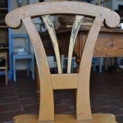 Selská starožitná židle