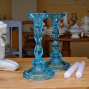 Párové starožitné svícny