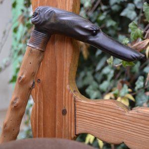 Osobitá starožitná hůlka