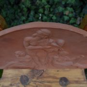 Starožitný reliéf z terakoty