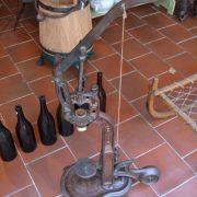 Starožitná pivní nebo vinná špuntovačka