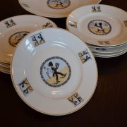 Sada porcelánových talířků s dětskými motivy