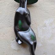 Nástěnná modernistická soška