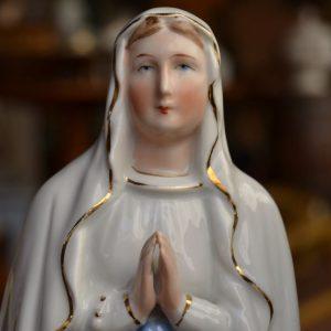 Starožitná soška panenky Marie