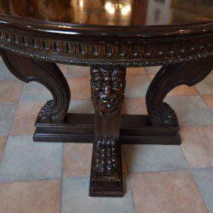 Starožitný neorenesanční stůl