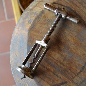 Stará sběratelská i funkční vývrtka na víno