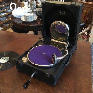 Starožitný gramofon DECCA