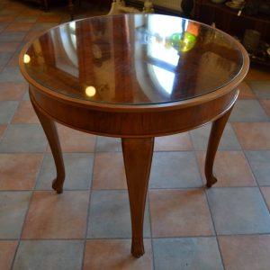 Starožitný stůl z ořechového dřeva