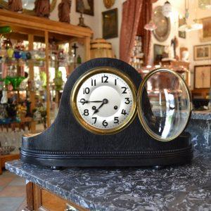 Elegantní starožitné krbové hodiny