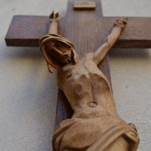 Myslbekův Kristus na kříži