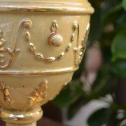 Keramický starožitný pohár