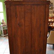 Měšťanská starožitná skříň