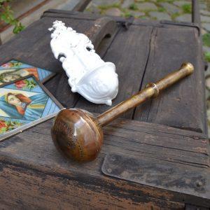 Starožitný empírový kropáč na svěcenou vodu