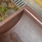 Napájecí koryto z pálené hlíny