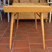 Nižší obdélníkový RETRO stolek